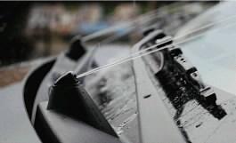 langu-apiplovimo-ir-ausinimo-skysciai