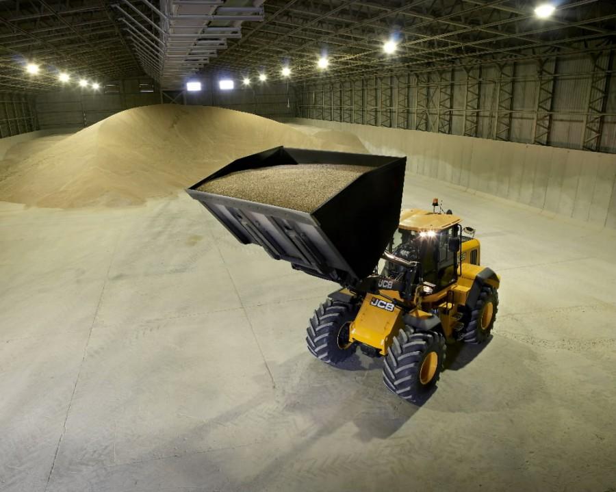435 rehandling grain 2