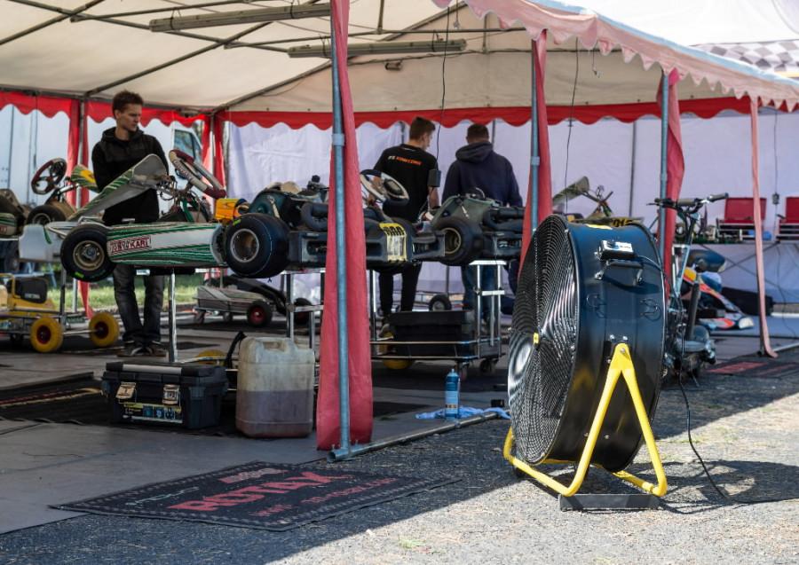 5 DF30_outdoor_car_racing