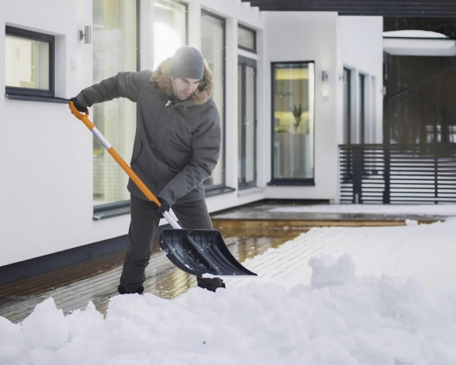 Lumelabidas alumiiniumservaga SnowXpert 143001, Fiskars