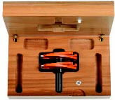 - Tenon cutting router, CMT