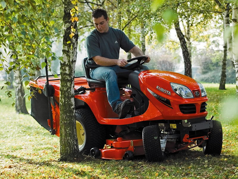 ride on mower gr2120 ii with snow blade 120cm kubota. Black Bedroom Furniture Sets. Home Design Ideas