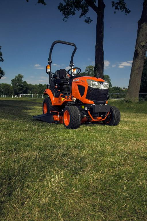 Kompaktiškas  BX261 traktorius (su apsauginiu lanku), Kubota