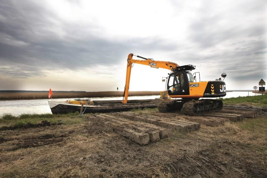 Tracked excavator  JS180, JCB