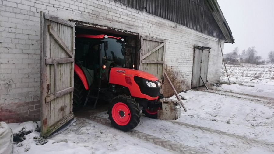 Traktorius  M8560 Campaign no3 Farm, Kubota