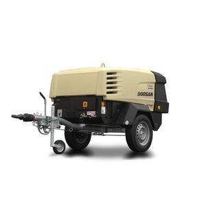 Pārvietojams kompresors 2,5 m3/min 7/26E, Doosan