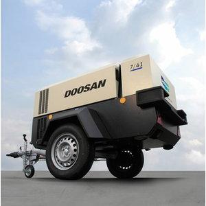Pārvietojams skrūves kompresors 4m3/min 7/41-CE/FBB/B44/L1, Doosan