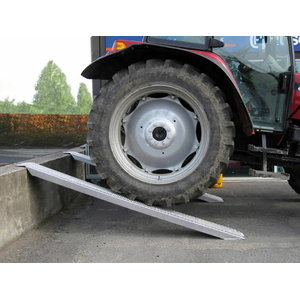 Aliuminio rampa 300 cm x 26 cm, 2000 kg, Ratioparts