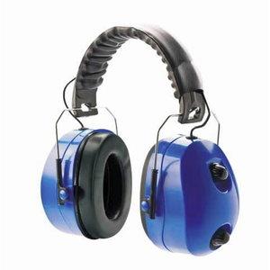 Earmuffs with FM radio