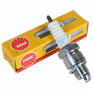 Spark plug CR7HSA