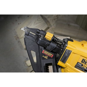 Cordless nailgun DCN693P2, brushless, 40-60mm, 18V / 5,0Ah, DeWalt