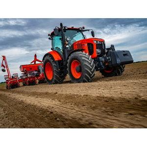 Tractor  M7133 KVT, Kubota