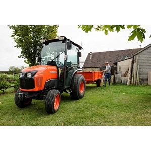 Traktorius Kubota ST371