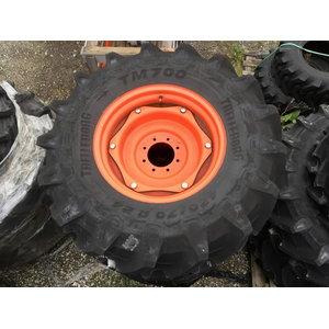M135GX front wheel 420/70R24 with adjustable rim, Kubota