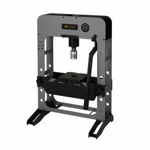 Hydraulic press 15T, Winntec