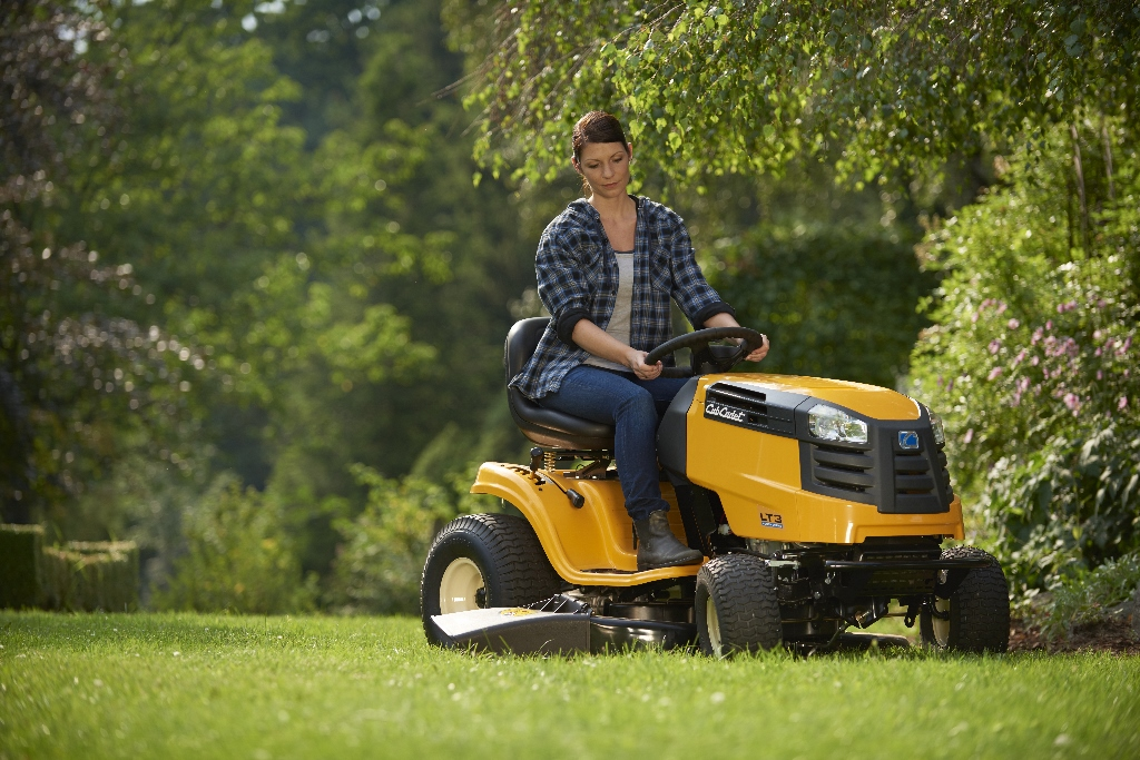 Traktora apkope