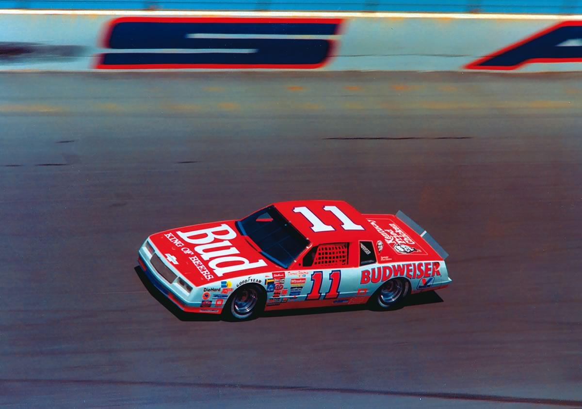 1982 Darrell Waltrip võitis Valvoline'i kasutades kolm NASCARi meistritiitlit.