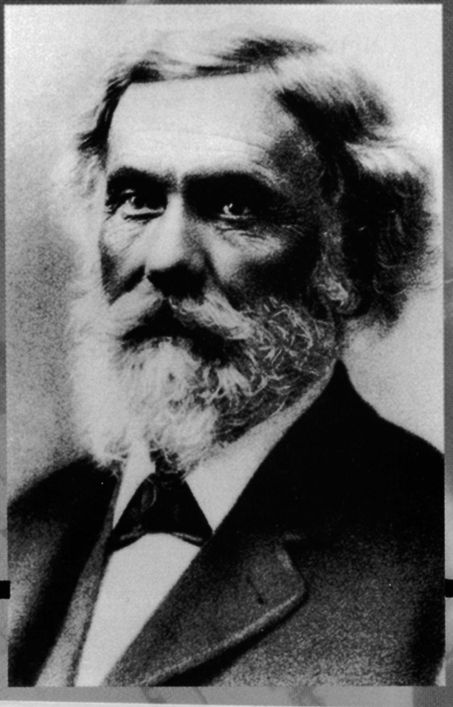 1866. Dr John Ellis asutas Continuous Oil Refining Company. Uurides toornafta võimalikke raviomadusi, oli dr Ellis pettunud, et ei leidnud selles mingit reaalset meditsiinilist väärtust. Kuid samas oli ta avastanud selle määrimisomadused. Ta loobus meditsiinipraksisest, et pühendada kogu oma aeg aurumasinate määrdeainete väljatöötamisele.