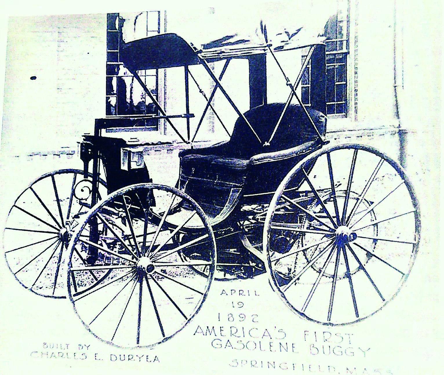 """1892 Valvoline hakkas varustama mootoriõliga autotootjat Stevens Durye, kes valmistas USAs esimese bensiinimootoriga auto. Ettevõte oli määrdeainest nii vaimustuses, et kinnitas igale oma autole sildi: """"See auto sõidab Valvoline'i mootoriõliga. Soovitame selle kasutamist. Selles autos ei tohiks kasutada mingit muud õli!"""""""