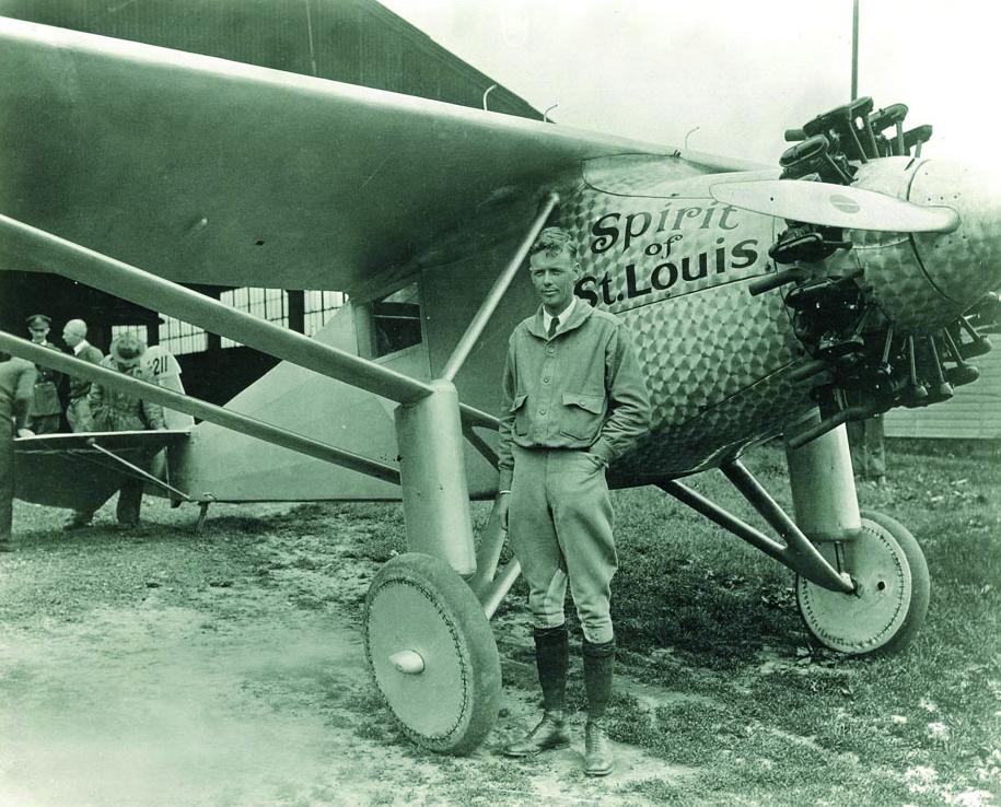 1927. Charles Lindbergh lendab esimest korda peatusteta New Yorkist Pariisi. The Spirit of Saint Louis – ühemootoriline ühekohaline lennuk. Mootoris kasutati Valvoline'i õli.