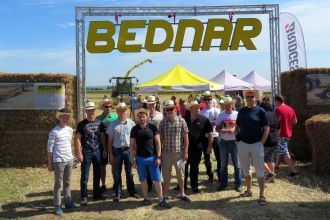 Eesti põllumehed Bednari põlludemol, Tšehhimaal
