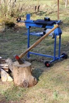 Puulõhkumismasin