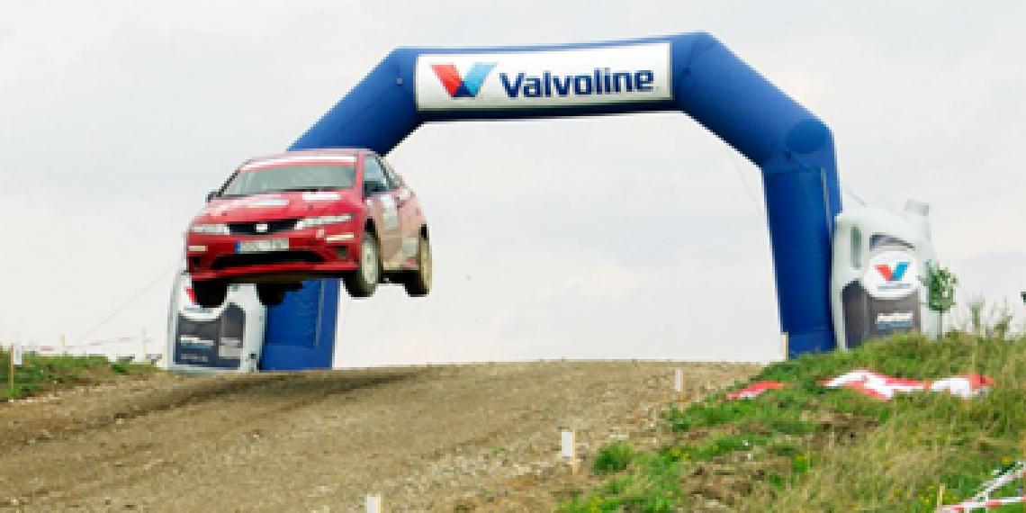 """Tradicinis trijų šalių ralio festivalis """"300 Lakes Rally"""" kviečia į Zarasus"""